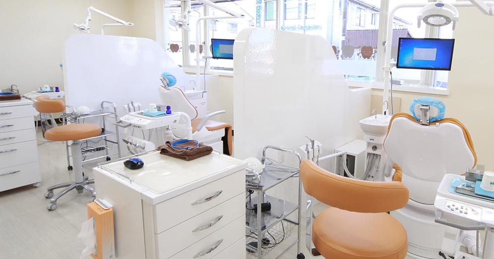治療スペース同士にはパーテーションを設置していますので、他の患者様の目が気になることはありません。